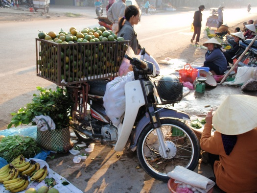 Vietnamese street market for fruit