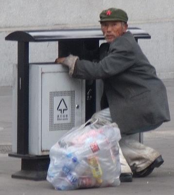 Recycler at Great Wall of China