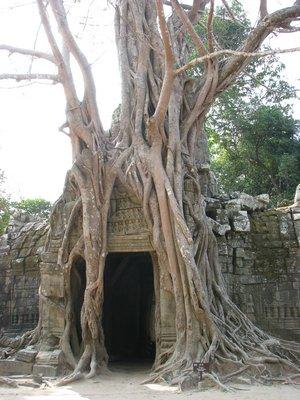 Angkor Wat archway