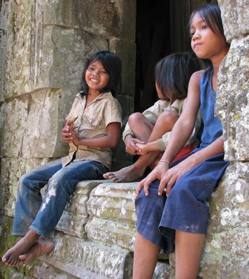 Angkor Wat children